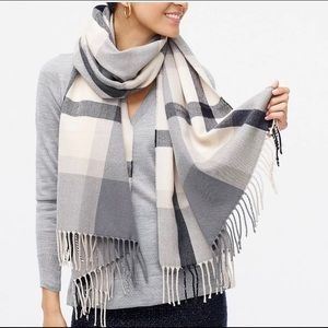 NWT J. Crew Classic Plaid Scarf in Ivory & Gray